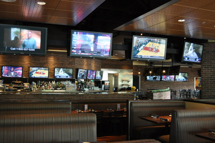 Blue 32 Sports Grill - Scottsdale
