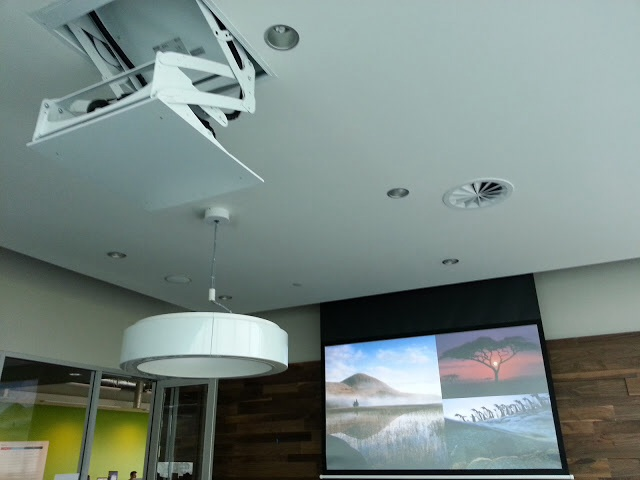 Retracting projector